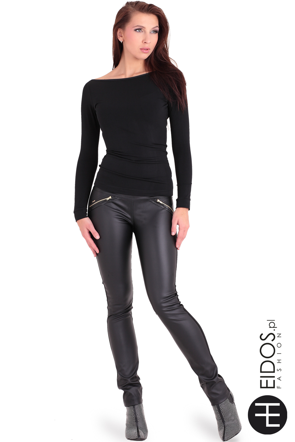 czarne spodnie czarna bluzka
