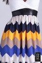 Sukienka BOMBKA BEZ RĘKAWÓW DEKOLT  SZPIC SATYNA ZIG-ZAG